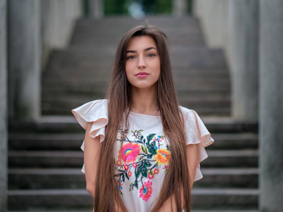 1152x864 wallpaper Brown eyes, girl model, beautiful