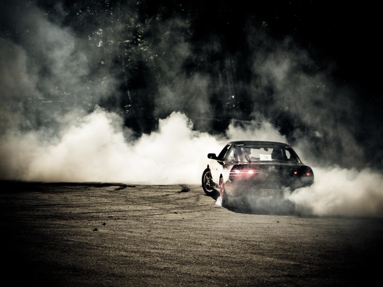 Download 1280x960 Wallpaper Sports Car, Drift, Smoke