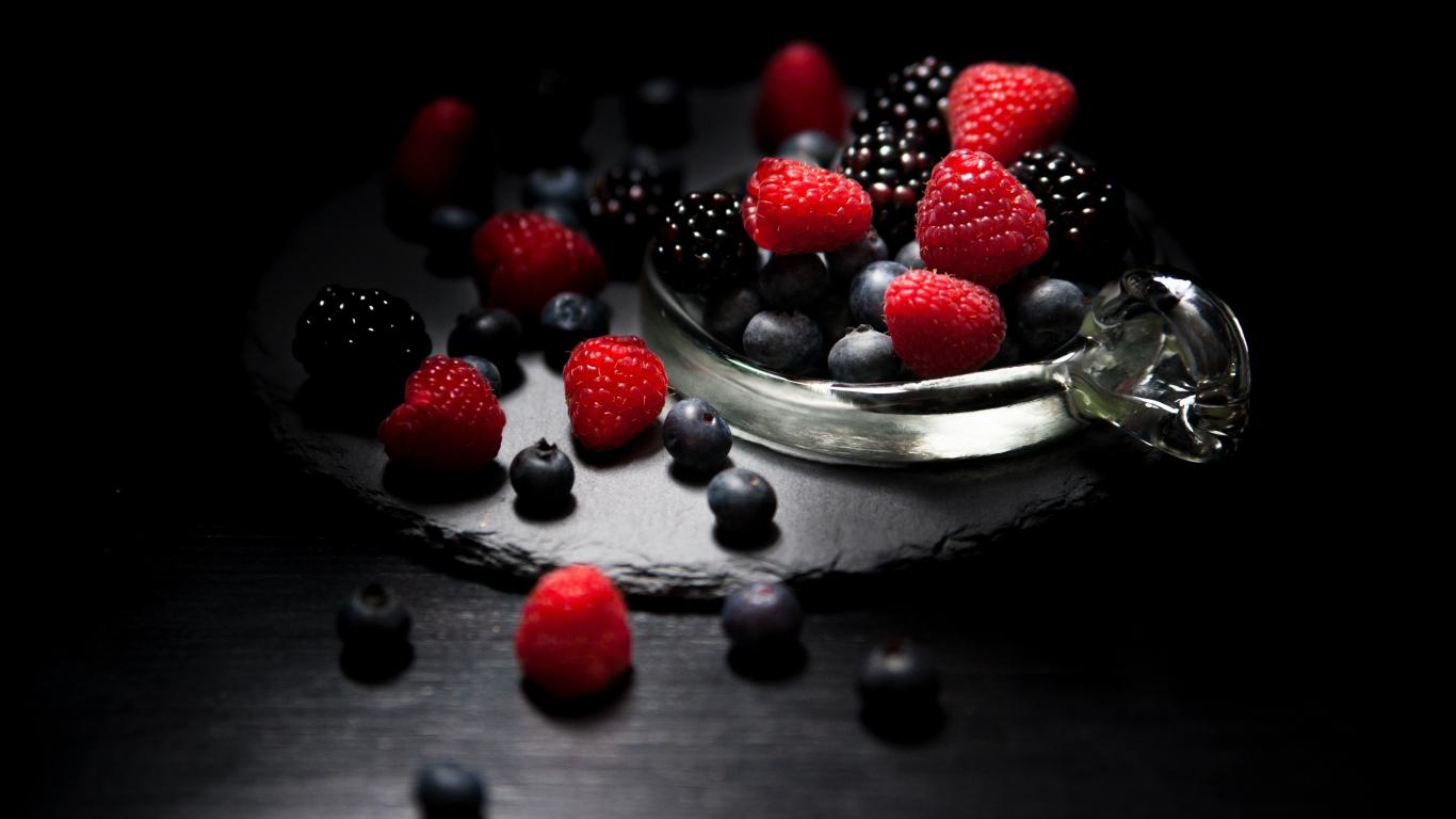 1366x768 wallpaper Dark mood, food, fruits, blueberry, raspberry, blackberry, 4k