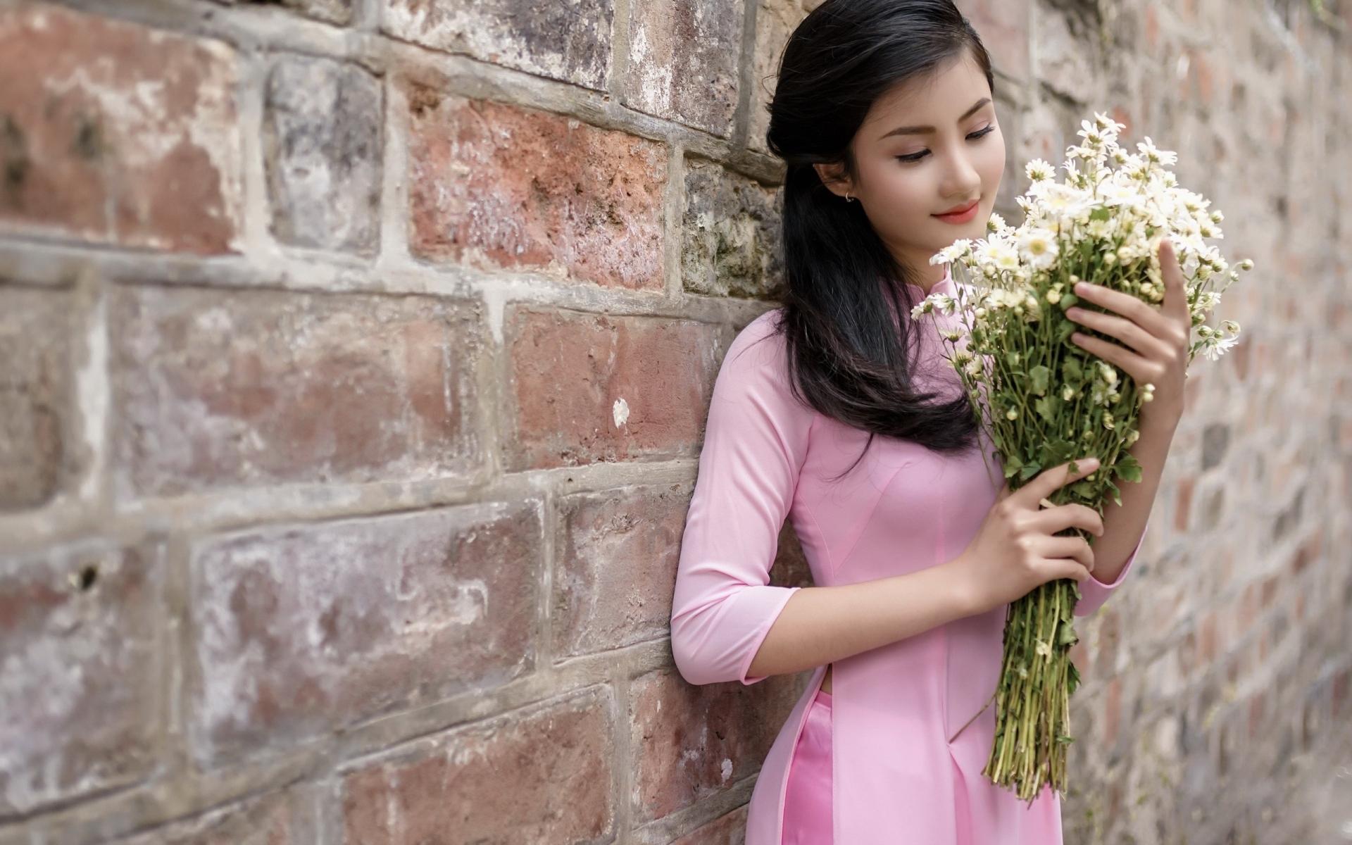 Download 1920x1200 wallpaper asian woman with flowers brunette 1920x1200 wallpaper asian woman with flowers brunette beautiful izmirmasajfo