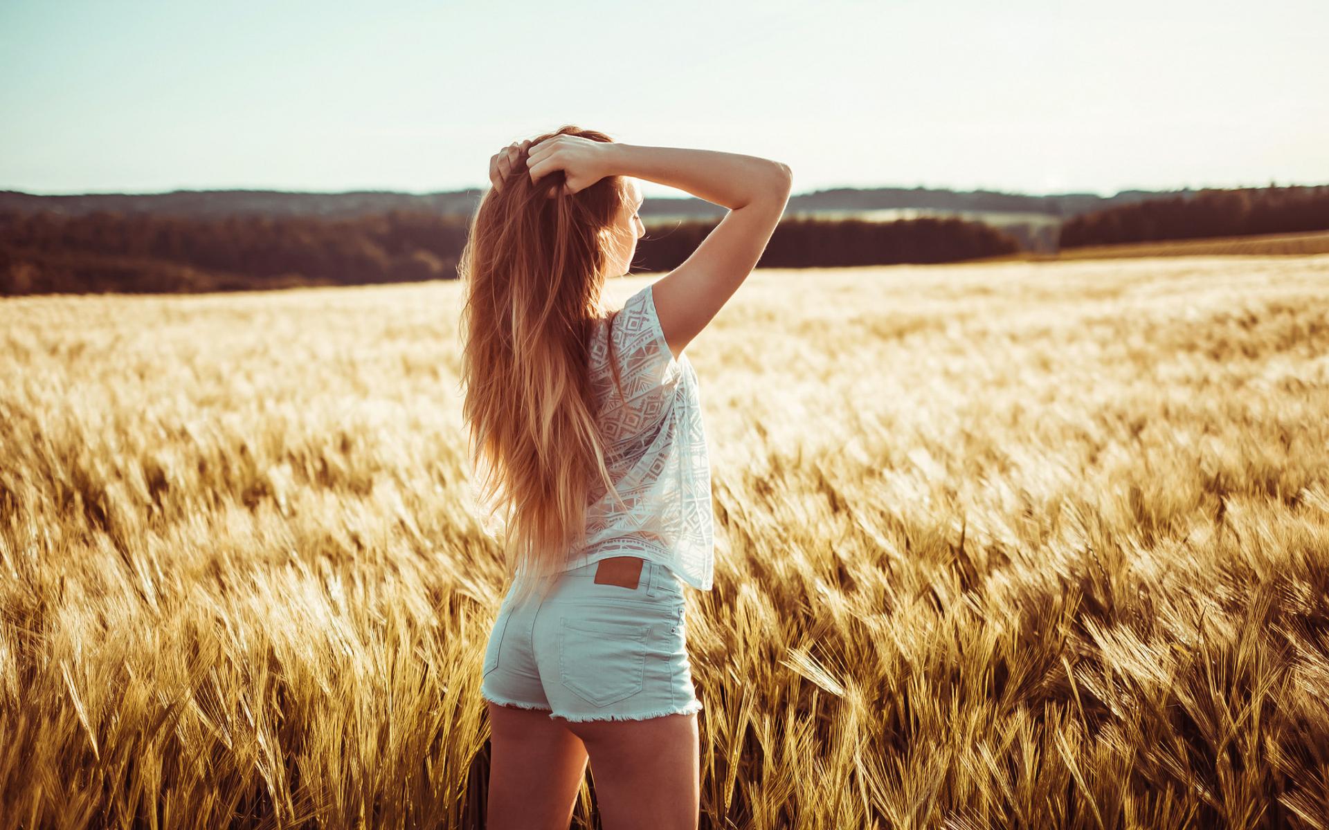 Картинки девушка и природа сзади