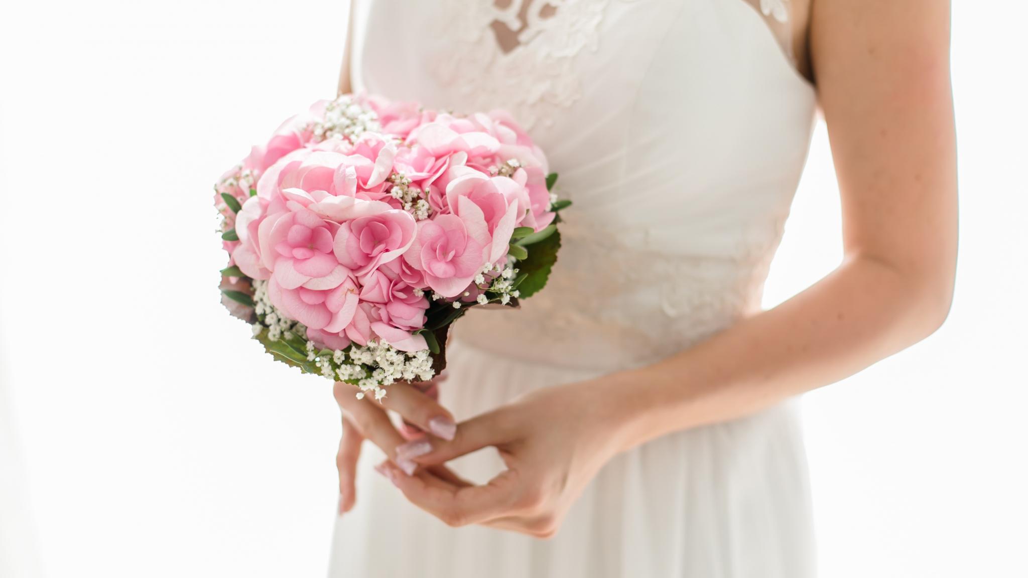 Download 2048x1152 wallpaper wedding bouquets flowers pink dual 2048x1152 wallpaper wedding bouquets flowers pink izmirmasajfo