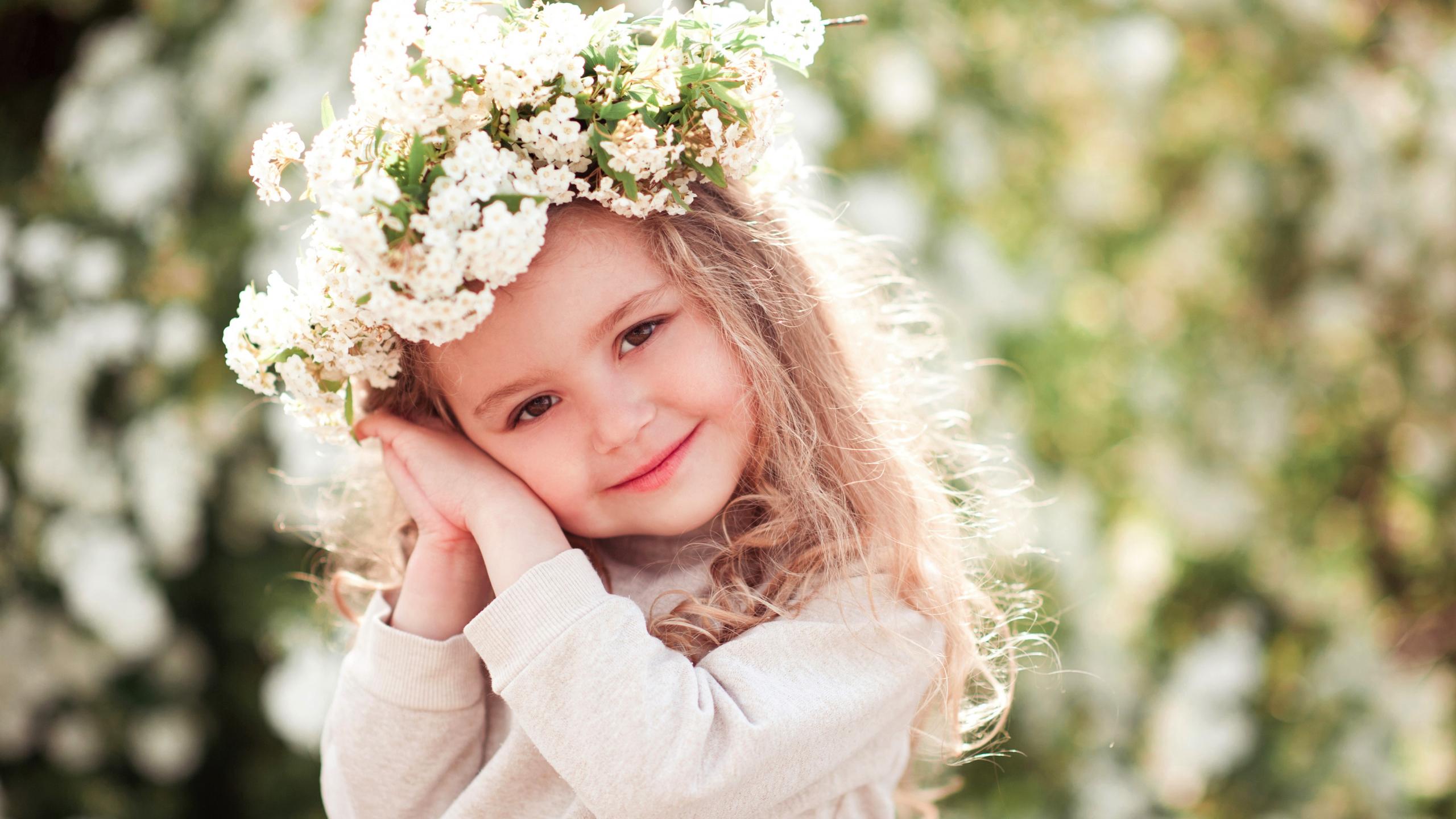 Download 2560x1440 Wallpaper Cute Kid Child Flower Crown Dual