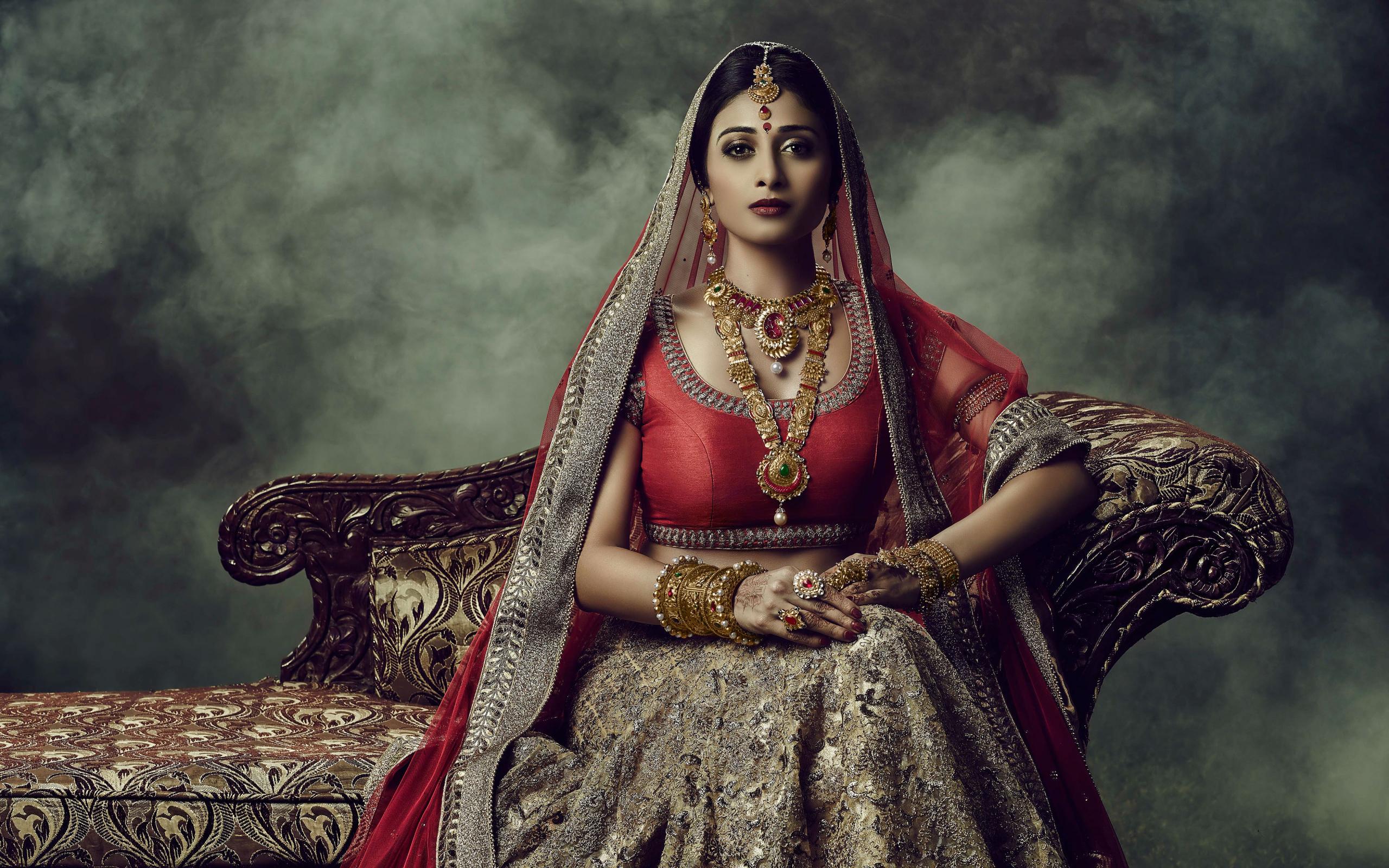 Desktop Wallpaper Indian Wedding Dress Girl Model Sofa Hd Image Picture Background 788ea5