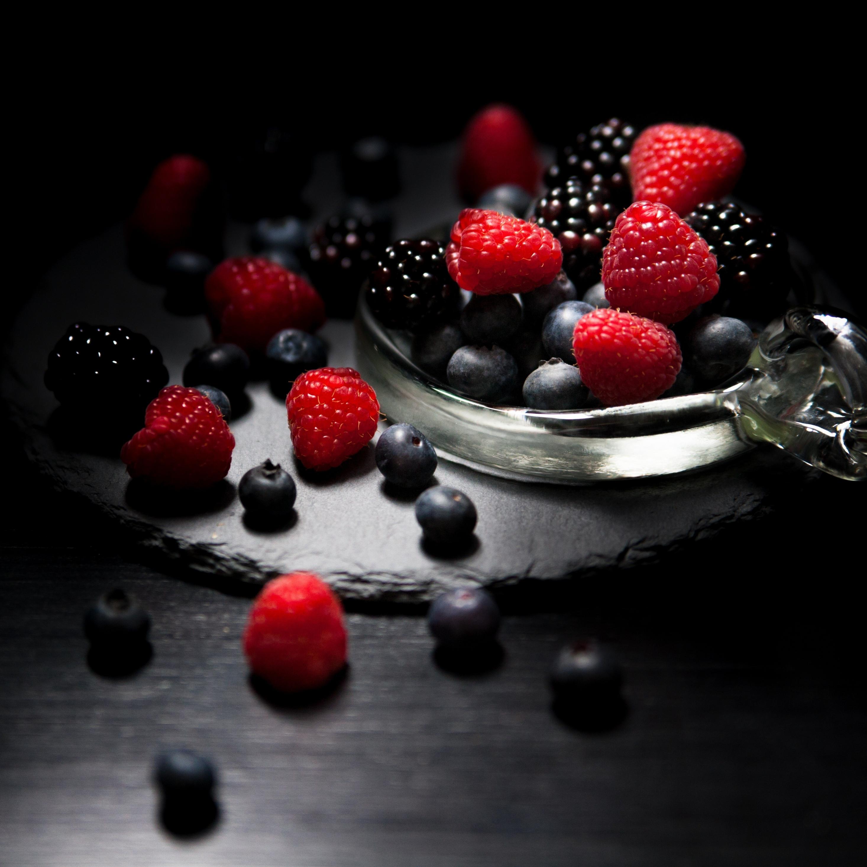2932x2932 wallpaper Dark mood, food, fruits, blueberry, raspberry, blackberry, 4k