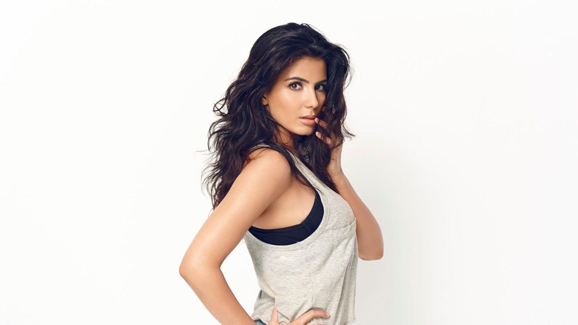 Wallpaper Kirti kulhari bollywood actress