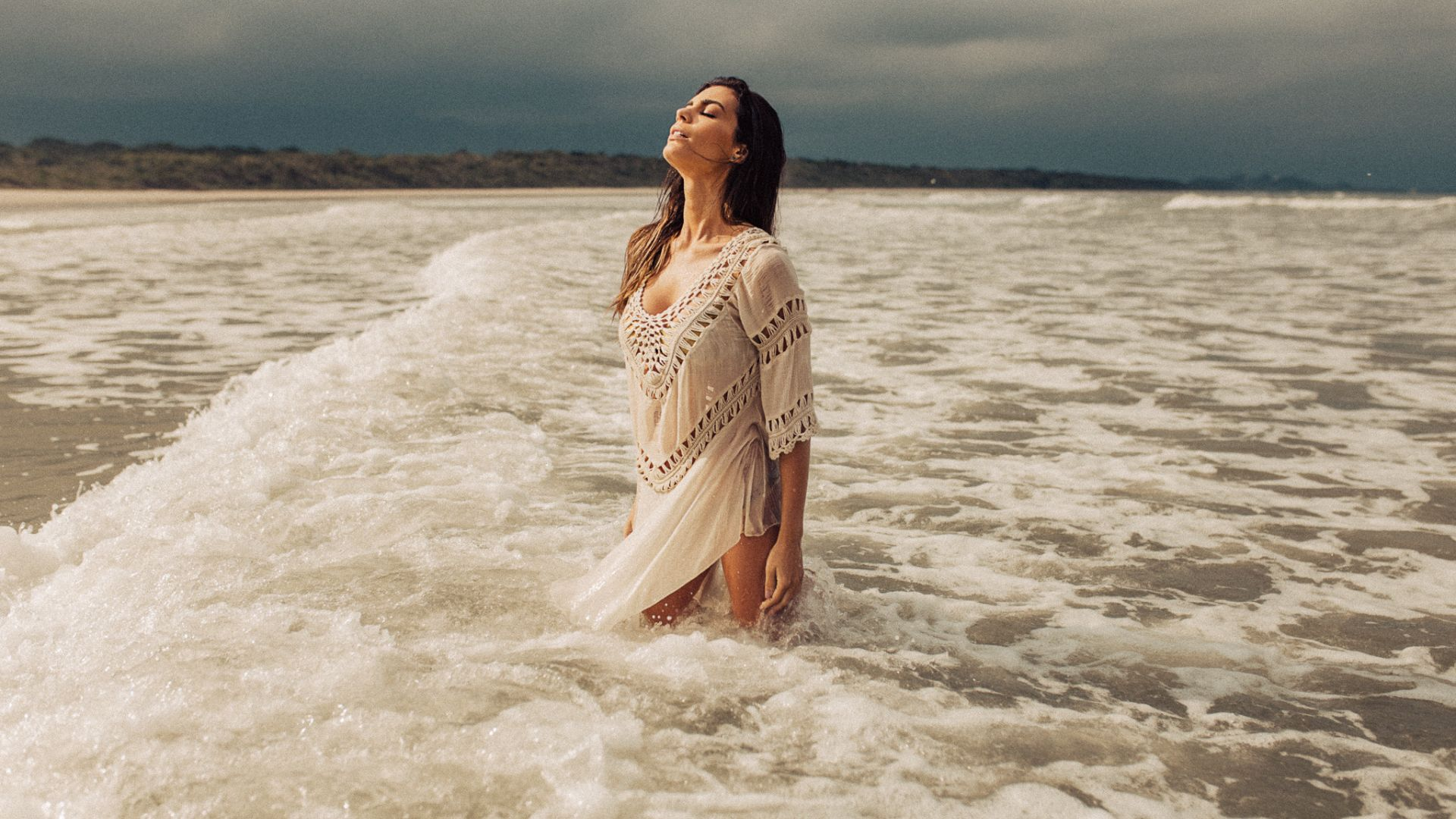 Wallpaper Beach, sea waves, girl model, closed eyes