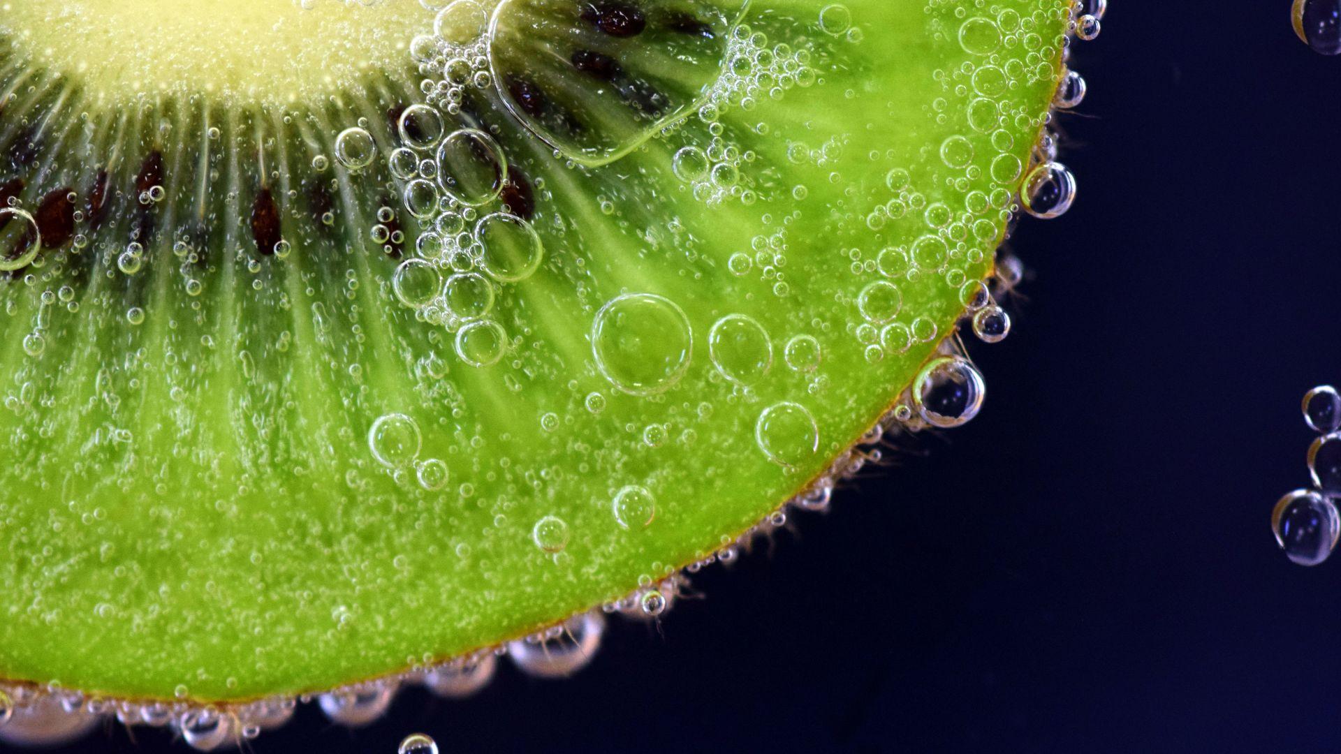 Wallpaper Kiwifruit, fruits, submerged, bubbles