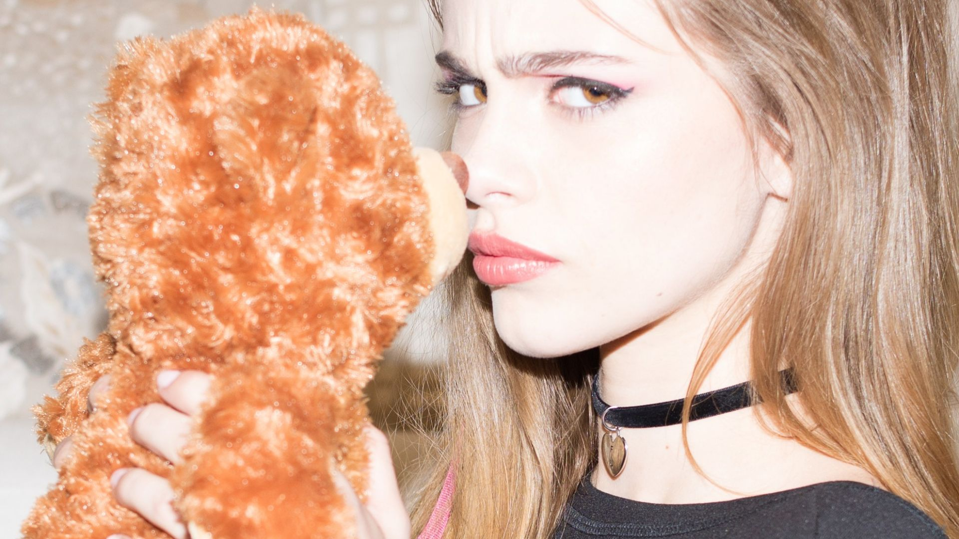 Wallpaper Bridget Satterlee, model, teddy bear