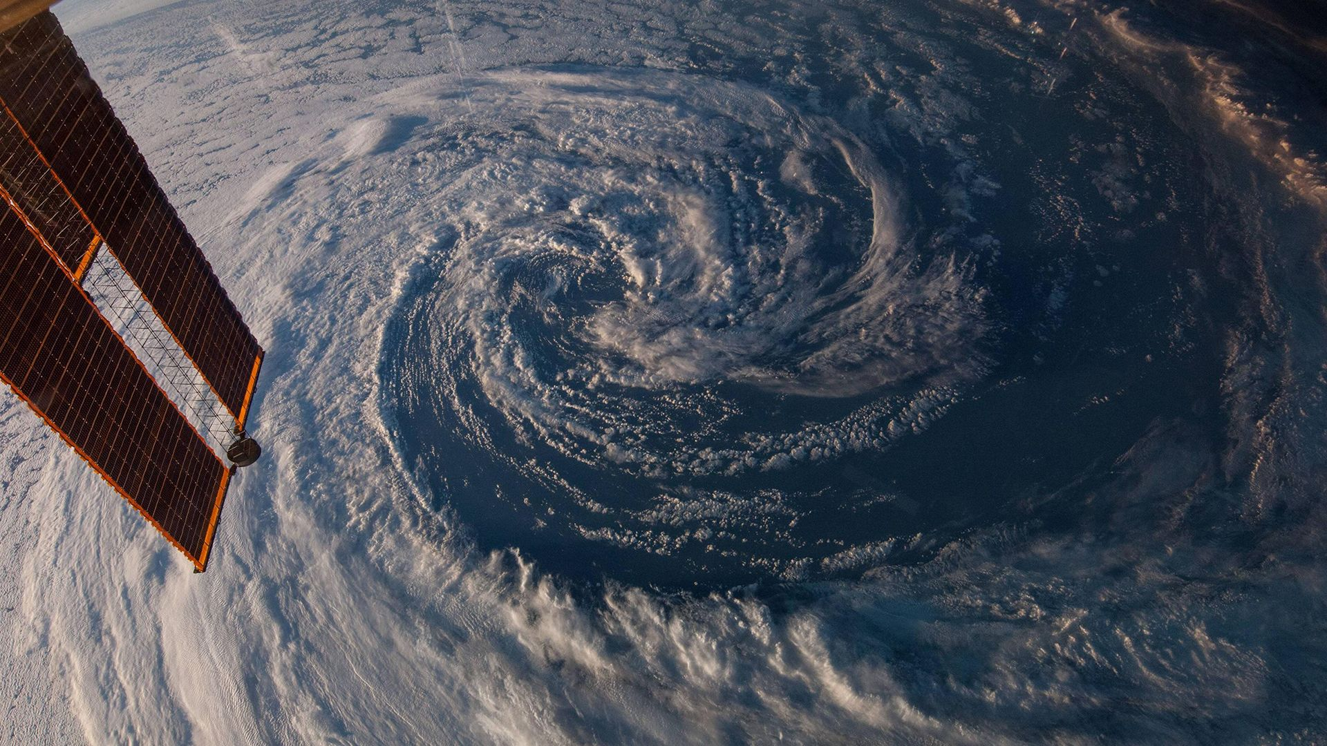 Wallpaper ISS hurricane space view