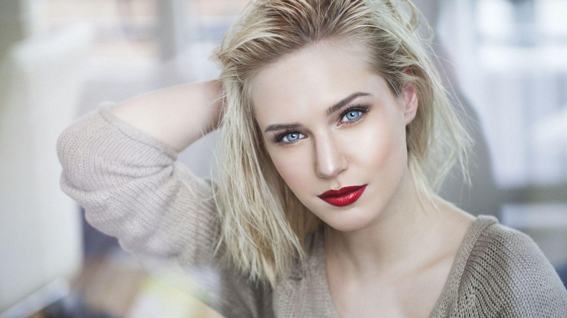 Beautiful blue eyes, girl model, blonde