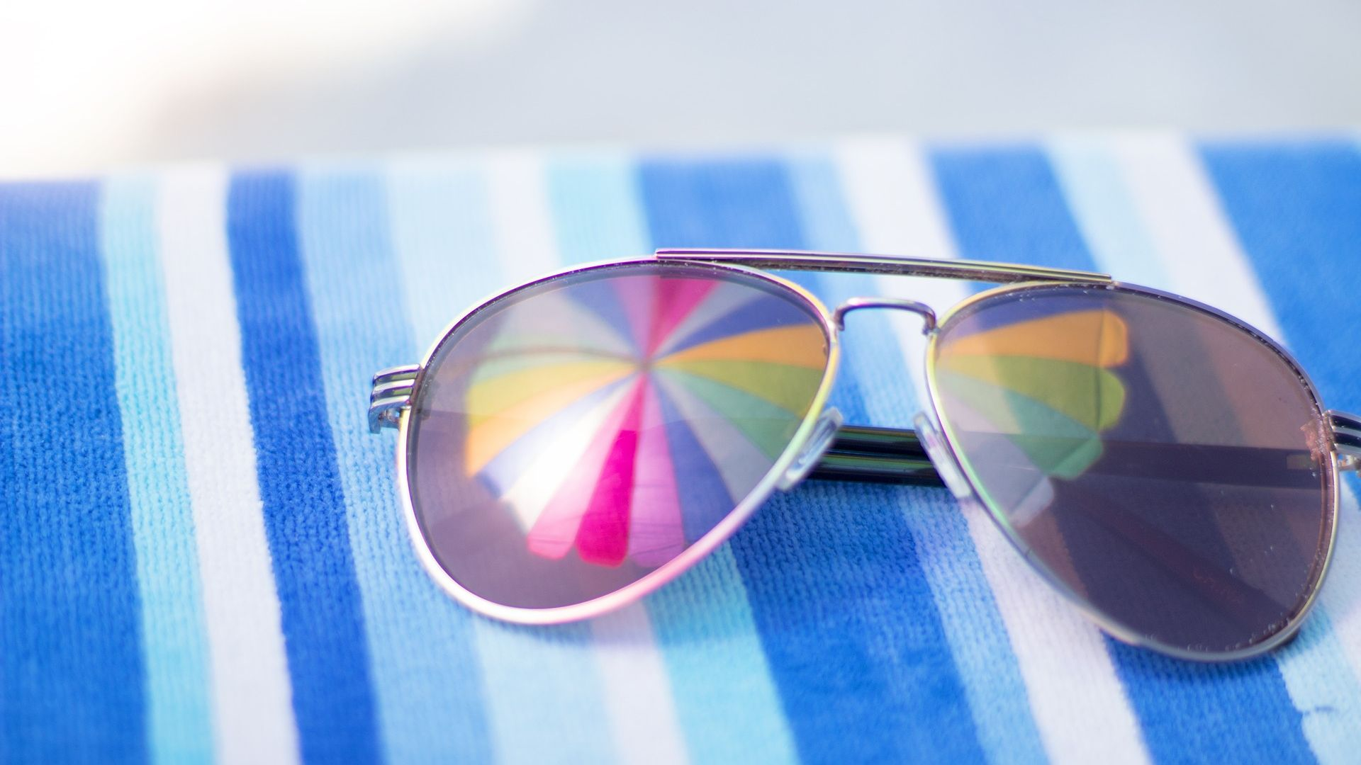 Wallpaper Beach, vacation, sunglasses, reflections