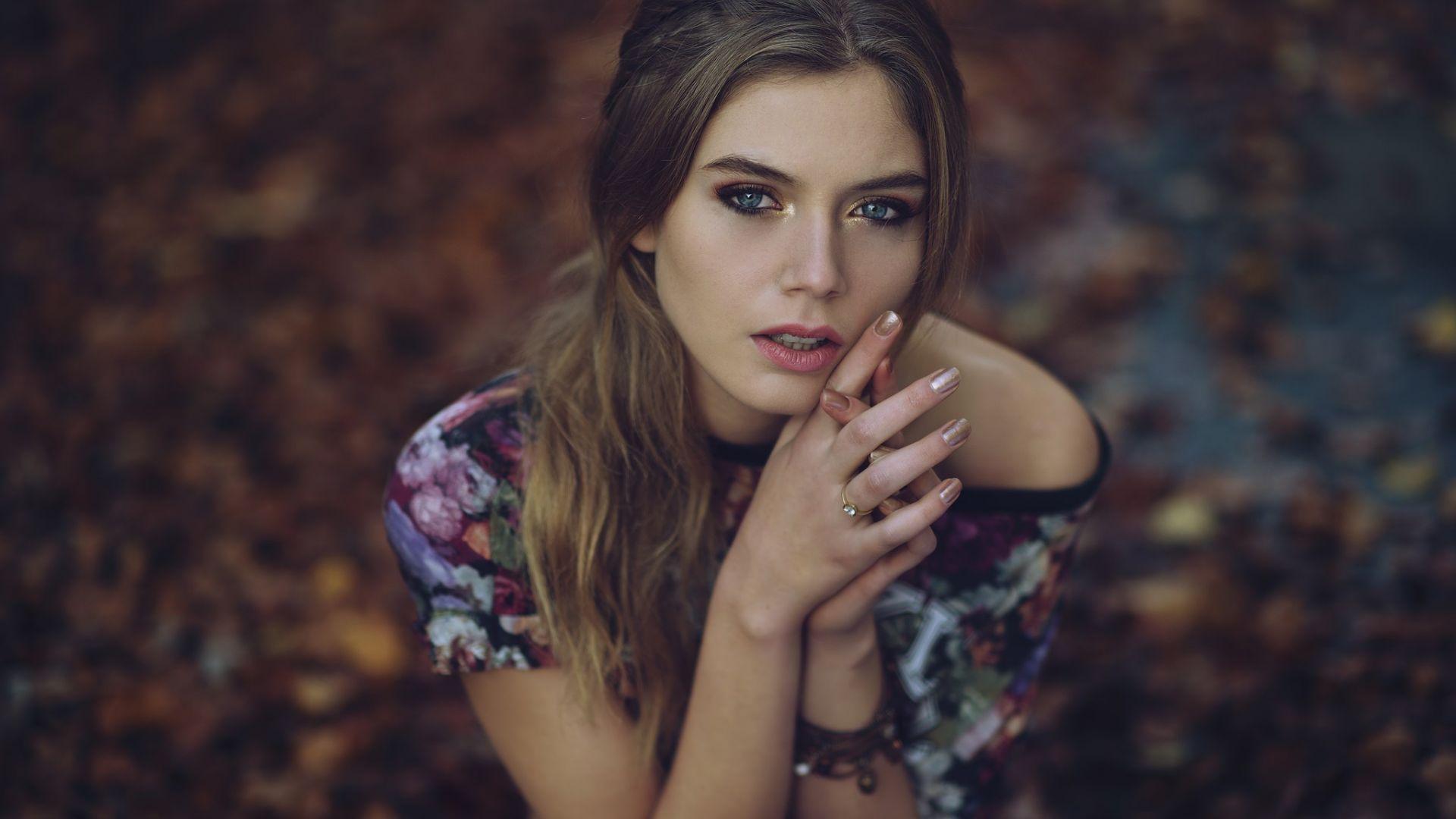 Wallpaper Camille Rochette, Brunette, model