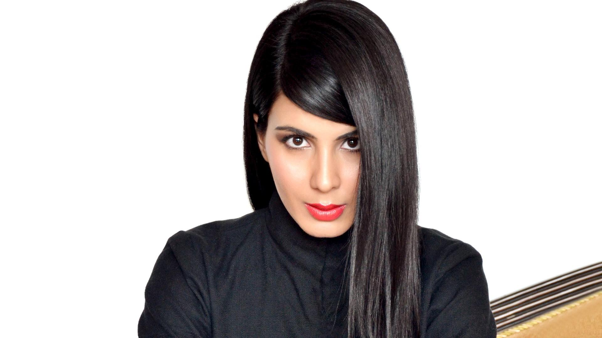 Wallpaper Kirti kulhari Actress