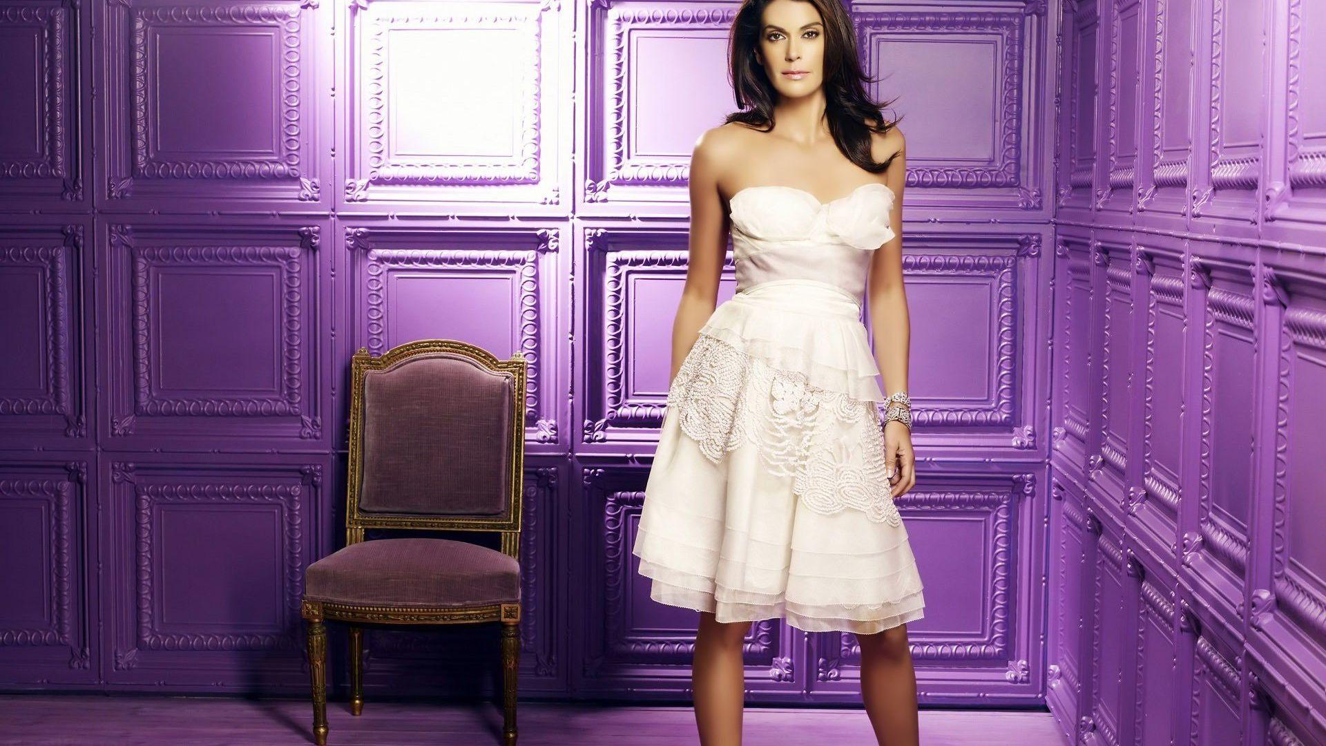 Wallpaper Teri Hatcher in white dress, chair