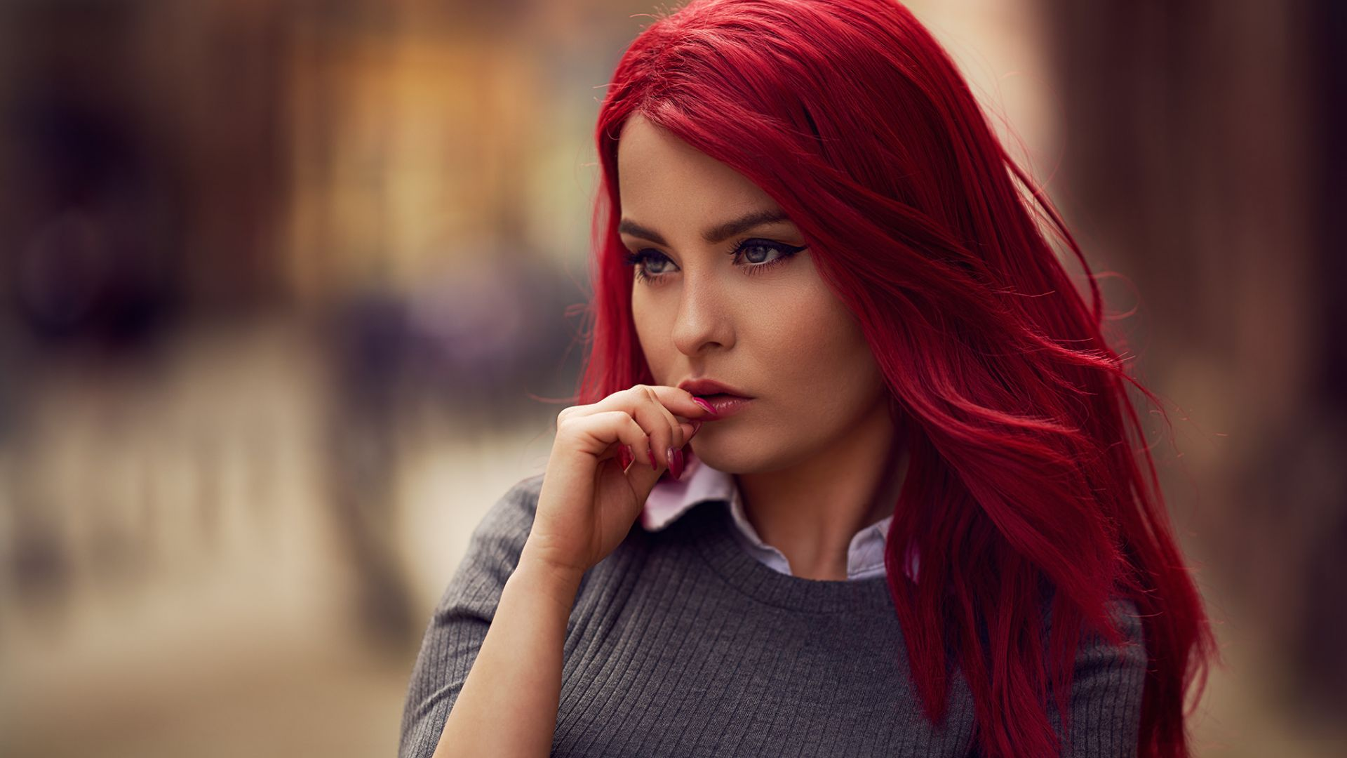 Colored hair, red, girl model