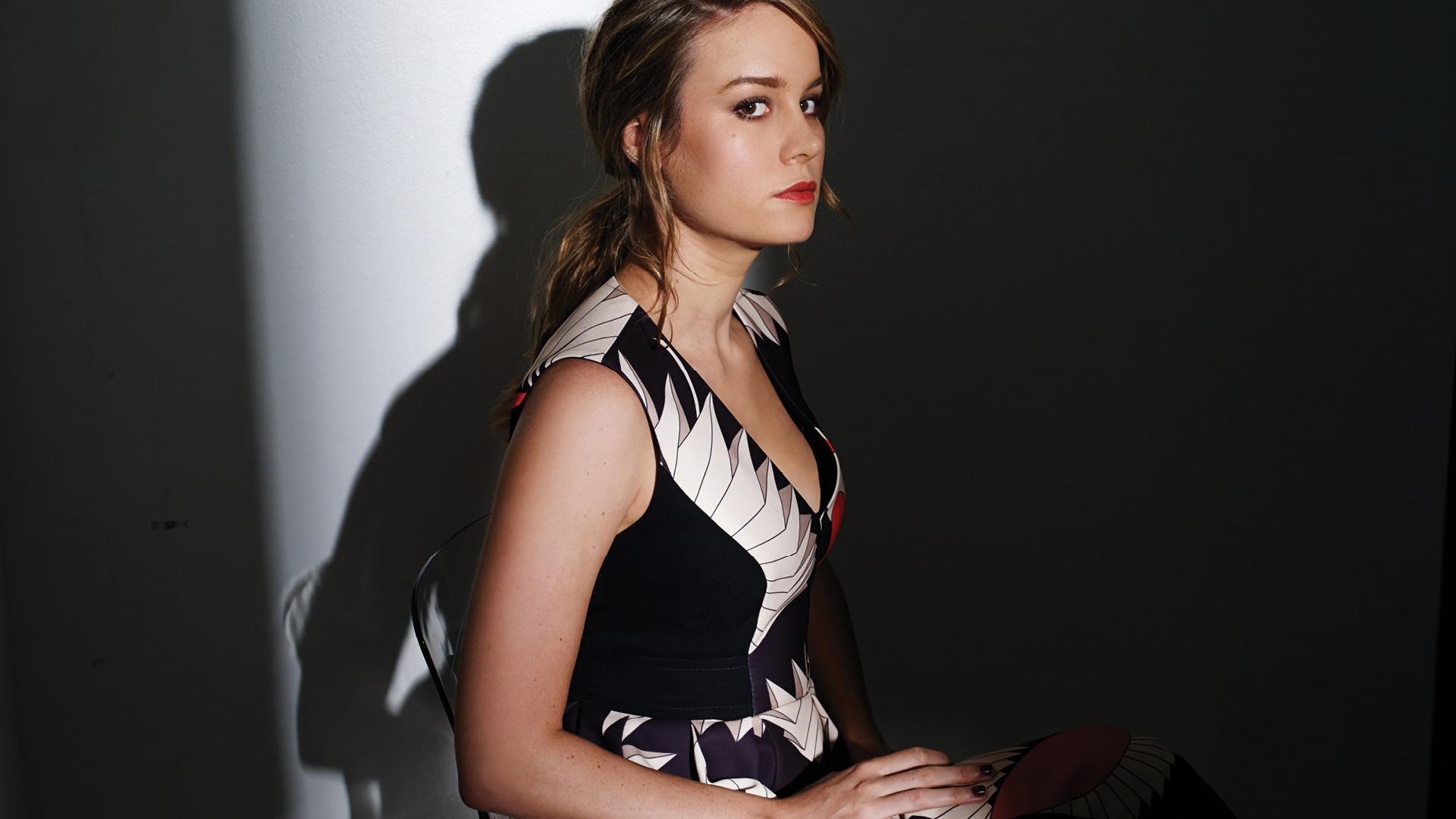 Wallpaper Brie Larson, celebrity, sitting