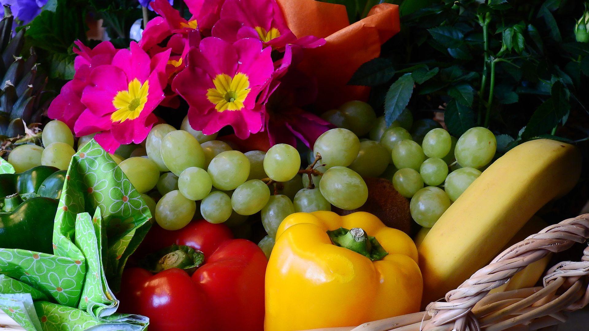 Wallpaper Vegetables, fruits, paprika, banana, grapes, peppers