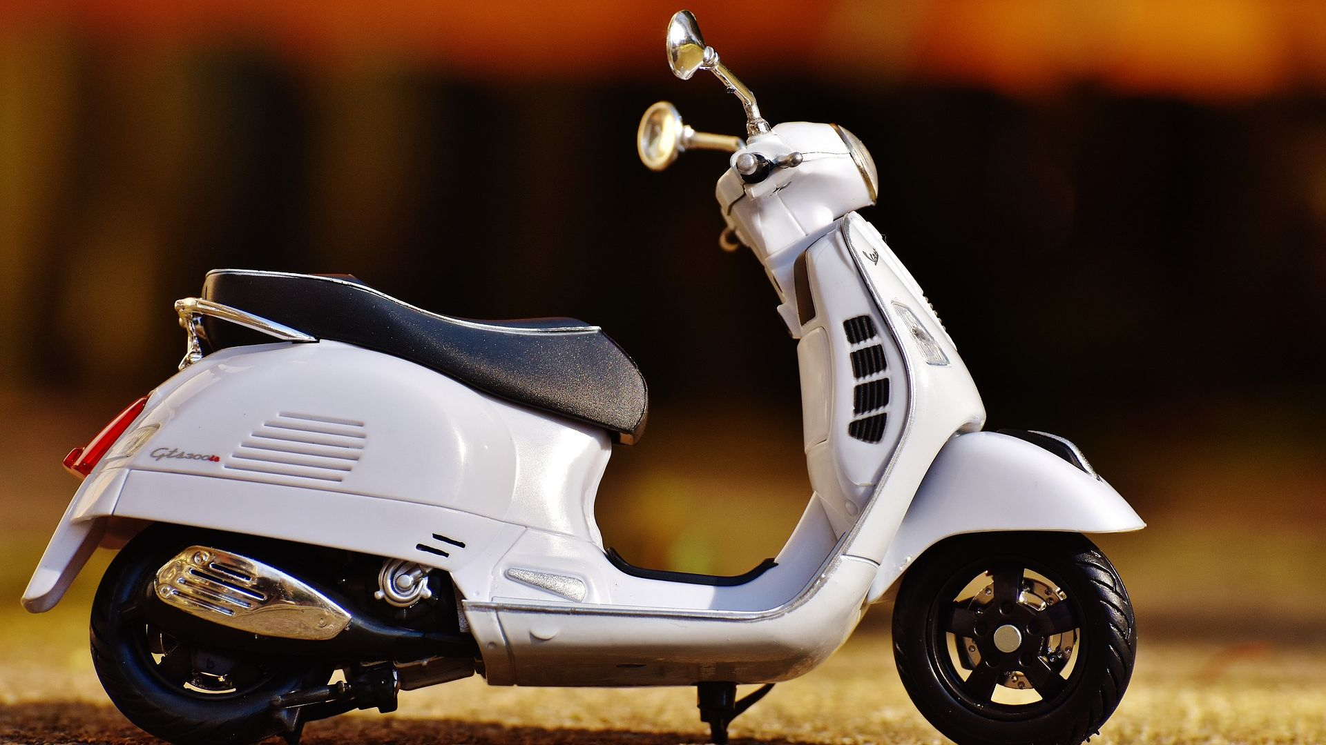 desktop wallpaper vespa bike model toy hd image picture