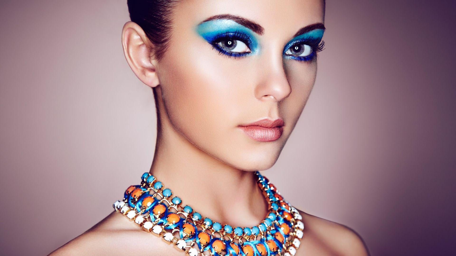 Wallpaper Girl model, makeup, necklace