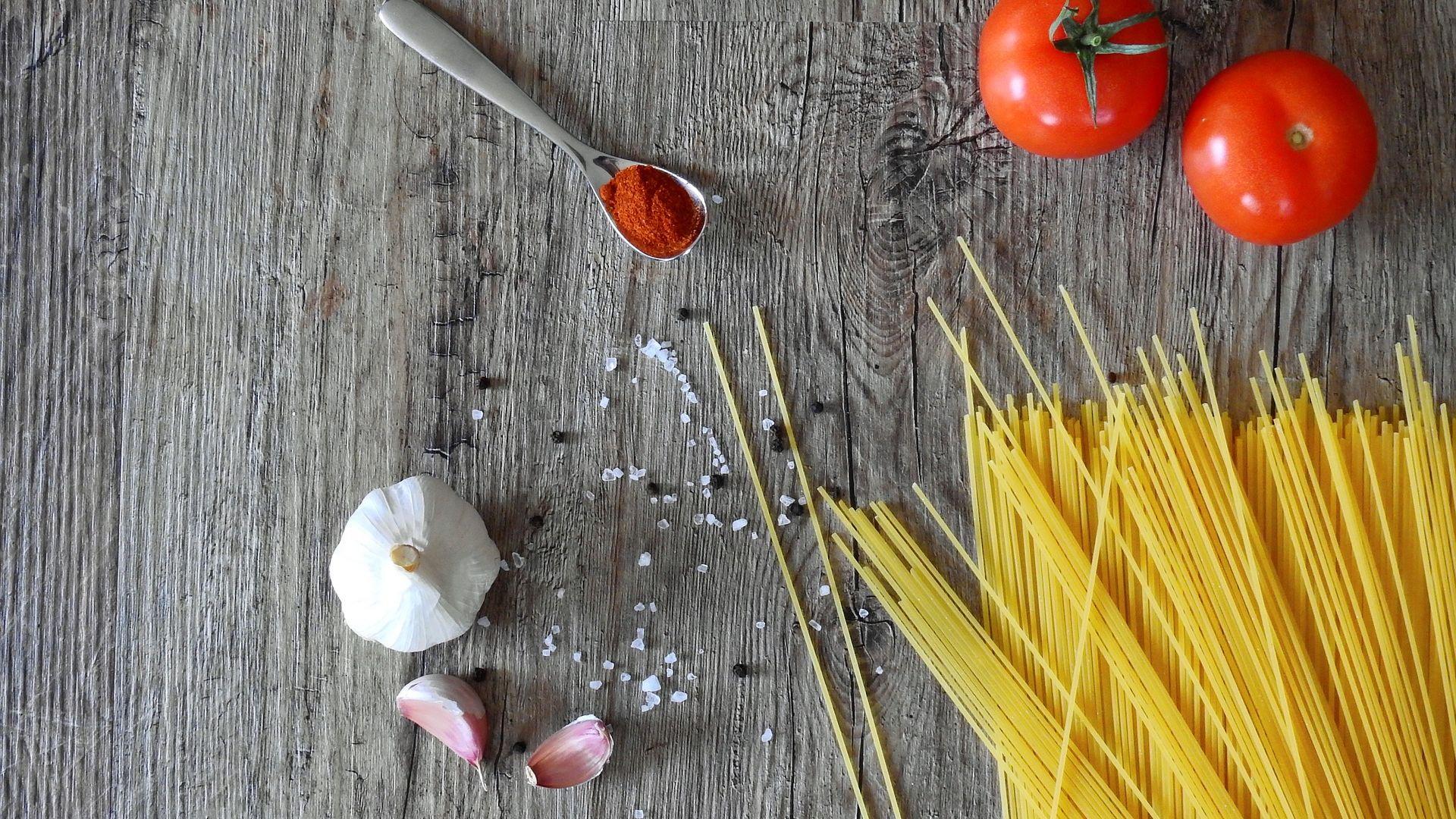 Wallpaper Tomato, spoon, dine, kitchen, food