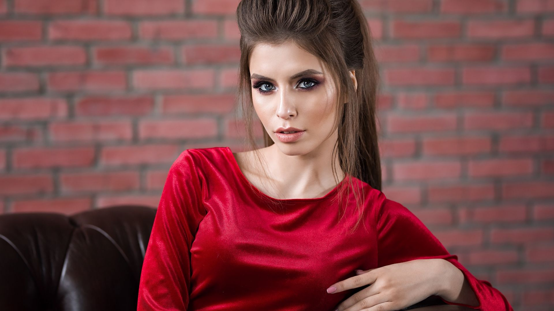 Wallpaper Sofa, beautiful model, red dress