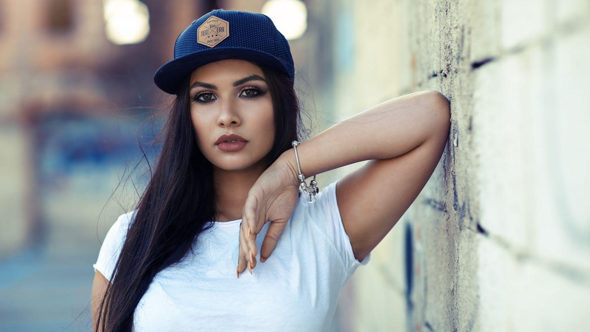 Wallpaper Wall, girl model, baseball cap
