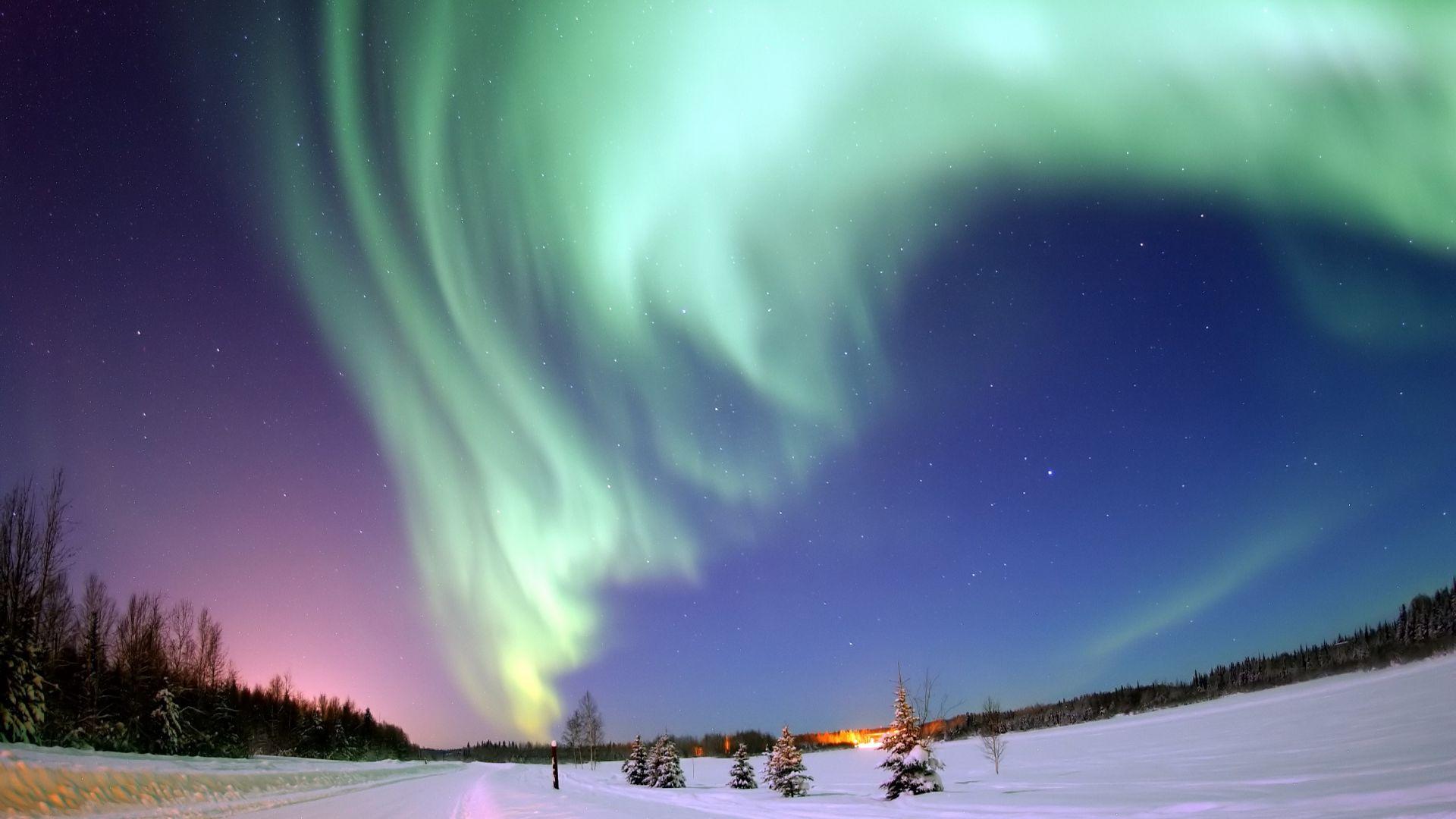 Desktop Wallpaper Green Aurora Northern Lights Of Iceland Hd Image