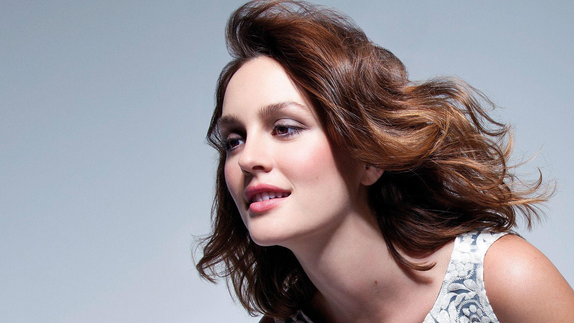 Wallpaper Brunette, celebrity, smile, Leighton Meester