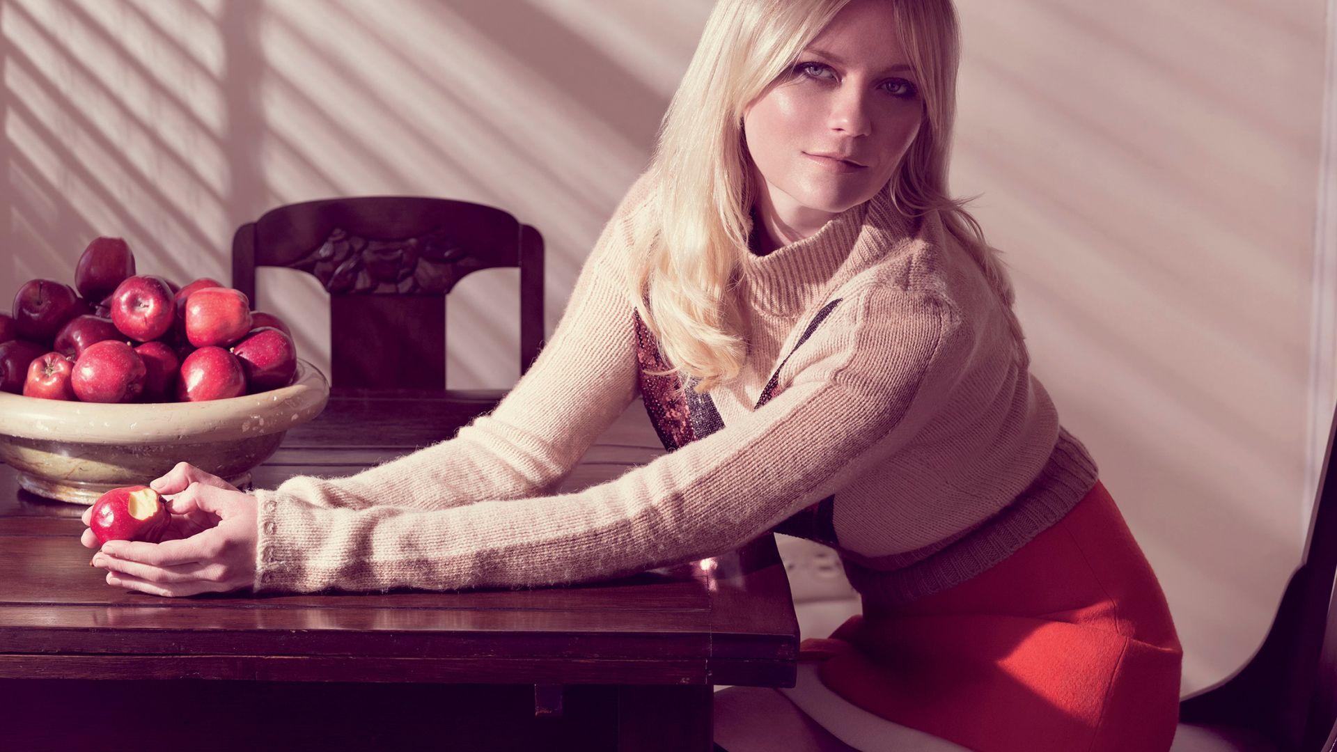 Wallpaper Kirsten Dunst, celebrity, sitting, apple