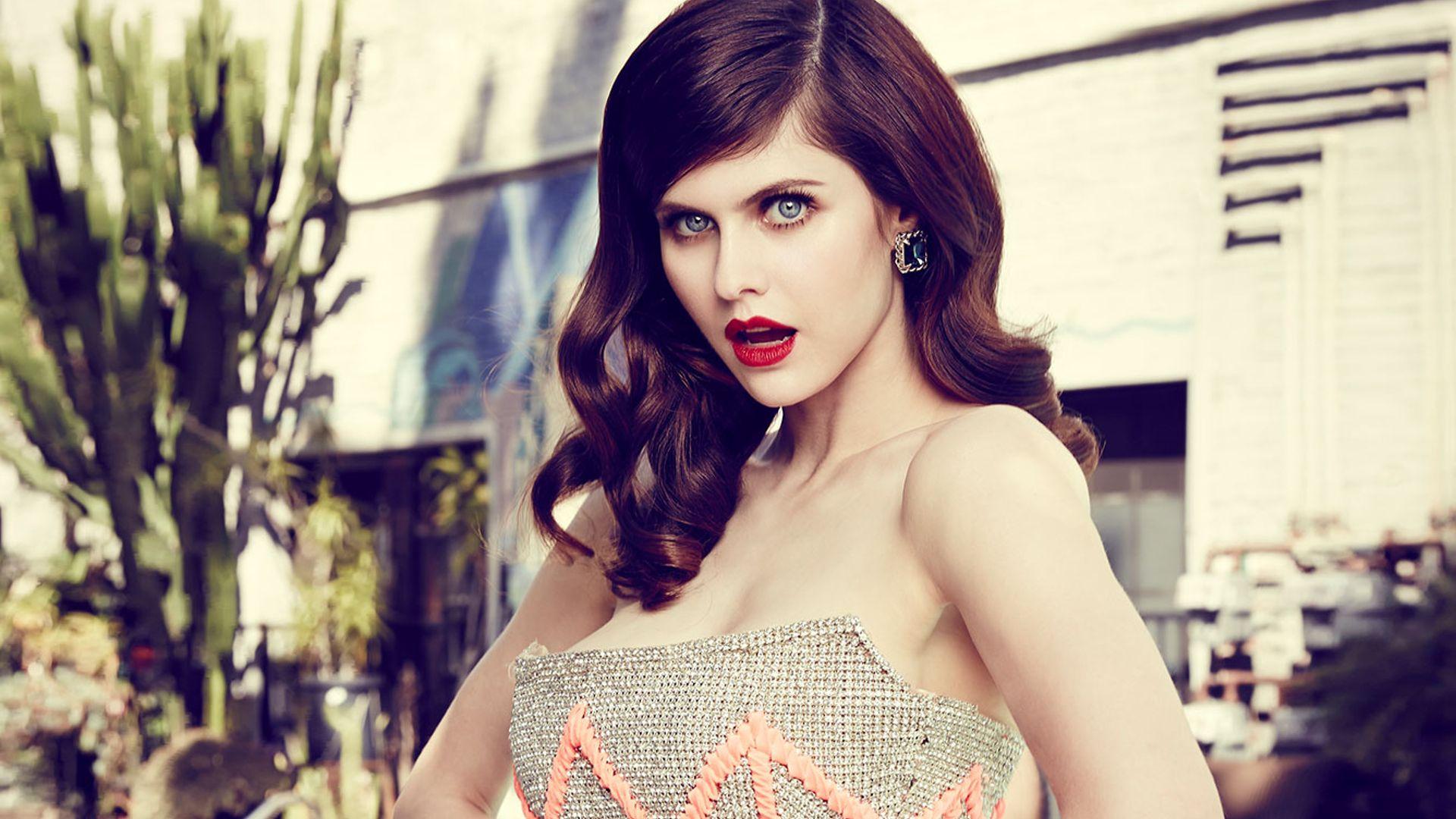 Red Lips Beauty Alexandra Daddario Model Wallpaper