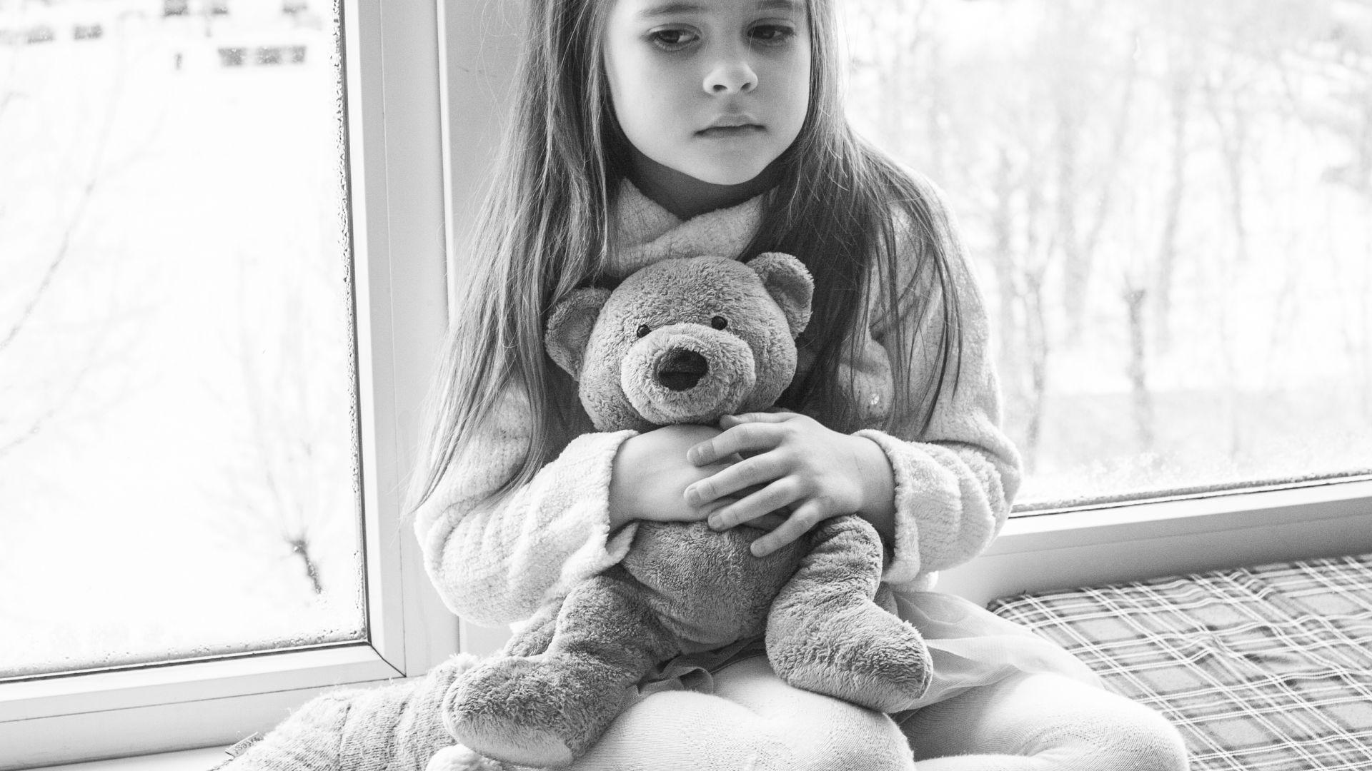 Wallpaper Cute baby girl, teddy bear, monochrome