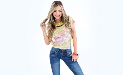 Valentina Gallego, blonde, smile, girl