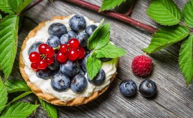 Blueberries, cherries, dessert, leaves