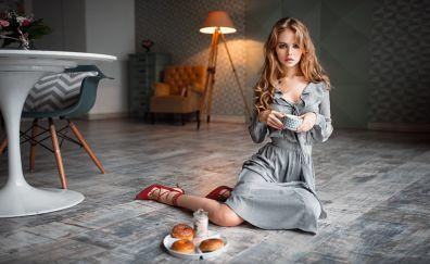 Anastasia Shcheglova, blonde, girl, breakfast