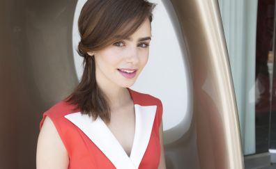 Smile actress, Lily Collins, celebrity