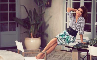 Eva Mendes, beautiful, bare foot