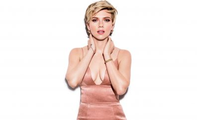 Scarlett johansson, blonde, short hair, cosmopolitan, 2017