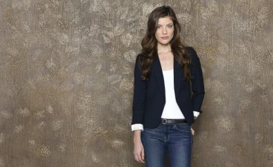 Brunette, actress, Devin Kelley, jeans