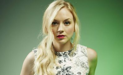 Emily Kinney, blonde celebrity, face
