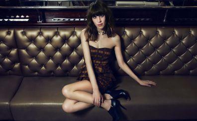 Alexa Chung, celebrity, model sit, sofa