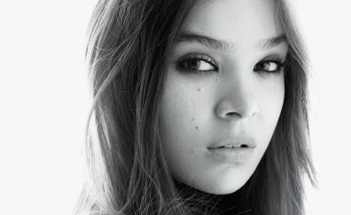 Hailee steinfeld, monochrome, black and white, face