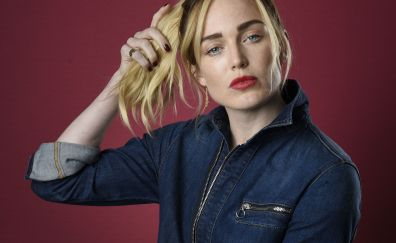 Caity lotz, jeans, play with hair