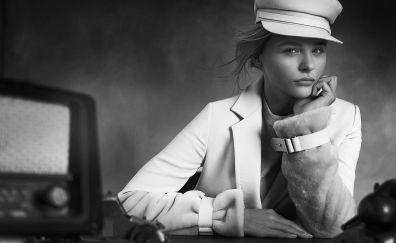 Monochrome, actress, chloë grace moretz