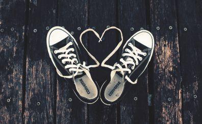 Converse sneakers heart shape shoelaces