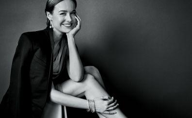 Brie Larson, smile, monochrome