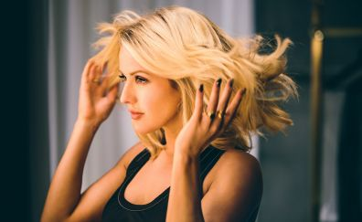 Ellie Goulding, singer, celebrity, blonde