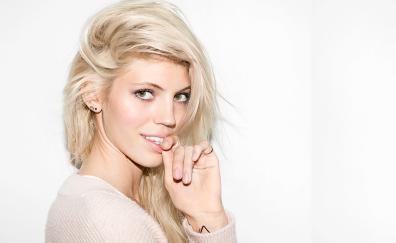 Devon Windsor, blonde, celebrity
