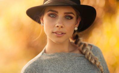Girl model, hat, blonde, pony tail