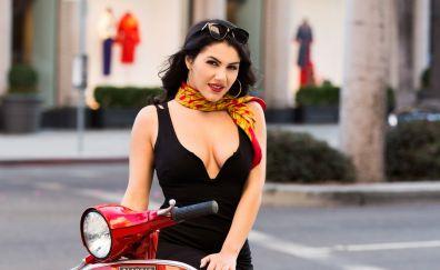 Hot Valentina Nappi, black dress